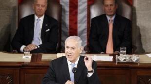Netanyahu fue aplaudido de pie en numerosas ocasiones durante su discurso por congresistas demócratas y republicanos.