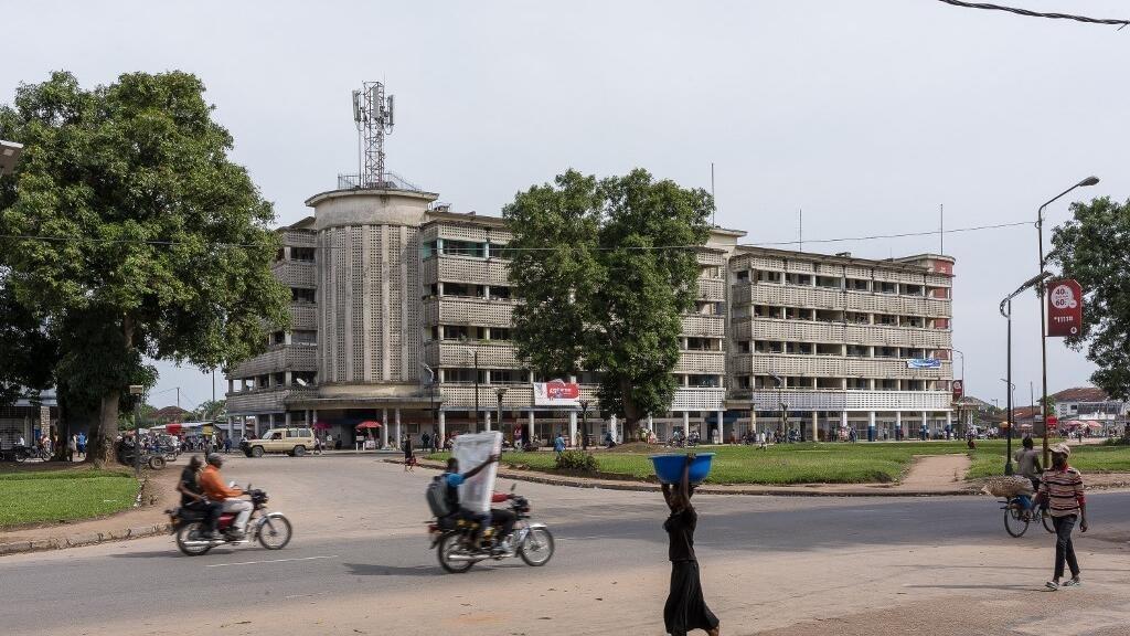 RDC: toujours en détention, le journaliste Sosthène Kambidi bientôt transféré à Kananga
