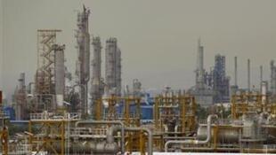Raffinerie pétrolière à Assalouyeh en Iran.