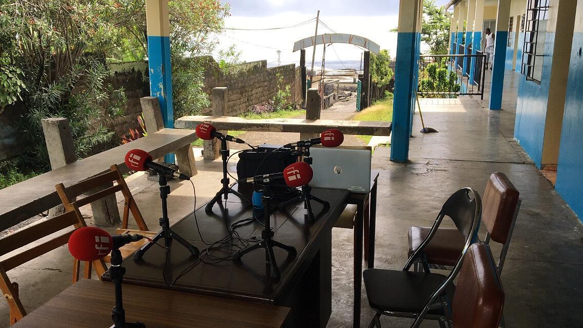 Studio RFI au CMC (Centre médico-chirurgical) de Mbeni, au nord-est de l'île de la Grande Comore.