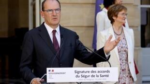 Le nouveau Premier ministre Jean Castex lors de la signature des accords du «Ségur de la santé», le lundi 13 juillet 2020.