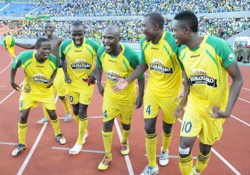 Wachezaji wa Yanga FC wakisherehekea ushindi wa ligi kuu ya soka Tanzania bara