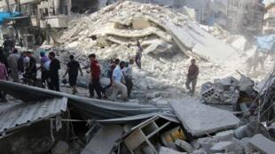 Un mercado destruido por bombardeos en el este de la ciudad siria de Alepo.