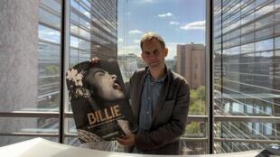 James Erskine, heureux de présenter l'affiche de son film sur les écrans le 30 septembre 2020.