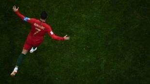 C罗一人踢入三球,葡萄牙三比三战平西班牙