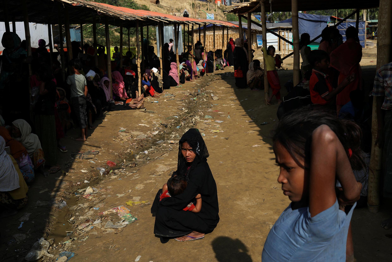 Người Rohingya trong trại tị nạn gần Cox's Bazar, Bangladesh, ngày 29/11/2017
