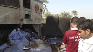 Acidente entre um ônibus e um trem, no sul do Egito, deixou 49 mortos neste sábado, 17 de novembro de 2012.