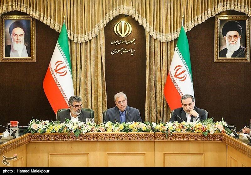 Заместитель главы МИДа Ирана Аббас Аракчи, представитель иранской Организации по атомной энергии Бехруза Камалванди и представитель правительства Ирана Али Рабии