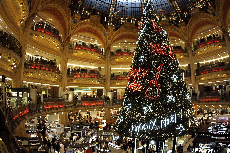 As Galerias Lafayette são um dos atrativos para os turistas em Paris afoitos por compras.