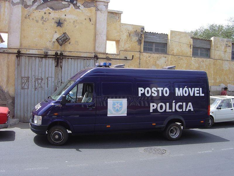 Posto Móvel da Polícia de Ordem Pública, Mindelo, Cabo Verde.