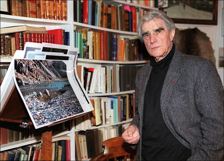 Жан Малори, французский этнолог и ученый-полярник, основатель и директор Центра арктических исследований в Париже с 1946 года. В 1994 году Жан Малори стал одним из основателей Государственной полярной академии в Санкт-Петербурге