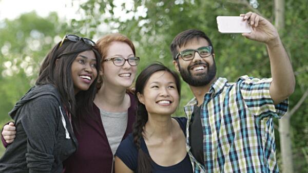 گروهی از جوانان فرانسوی