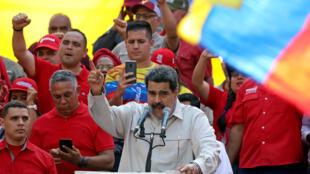 Tổng thống Venezuela Nicolas Maduro phát biểu trong một cuộc mít tinh của phe ủng hộ chính quyền, Caracas, ngày 06/04/2019