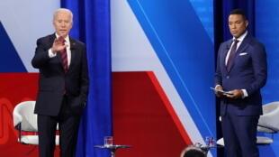 美國總統拜登與CNN主持人唐·萊蒙資料圖片