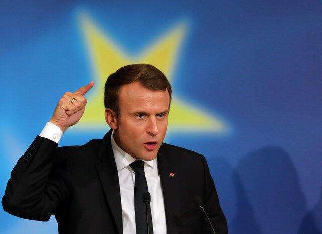 Эмманюэль Макрон выступает в Париже 26 сентября 2017.