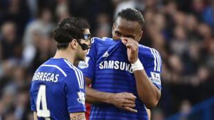 Muhispania Cesc Fabregasna mchezaji kutoka Cote d'Ivoire Didier Drogba (kulia) ni miongoni mwa wachezaji nyota wa Chelsea.