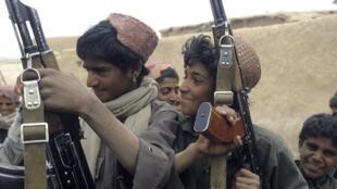طالبان بیش از پیش کودکان فقیر افغان را در عملیات نظامی به کار میگیرند