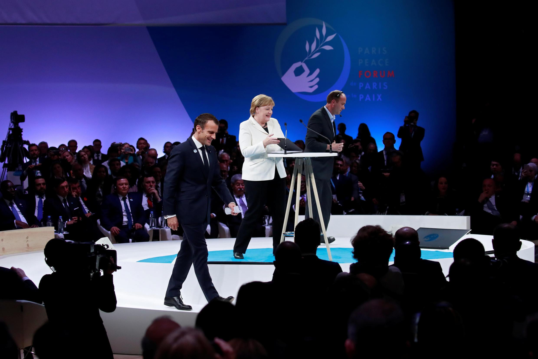 همایش جهانی صلح در پاریس با حضور رهبران و نمایندگان ۸۴ کشور جهان برگزار شد. آنگلا مرکل و امانوئل ماکرون در همایش جهانی صلح-یازدهم نوامبر ۲۰۱۸