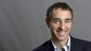 O neuropsiquiatra francês David Servan-Schreiber.