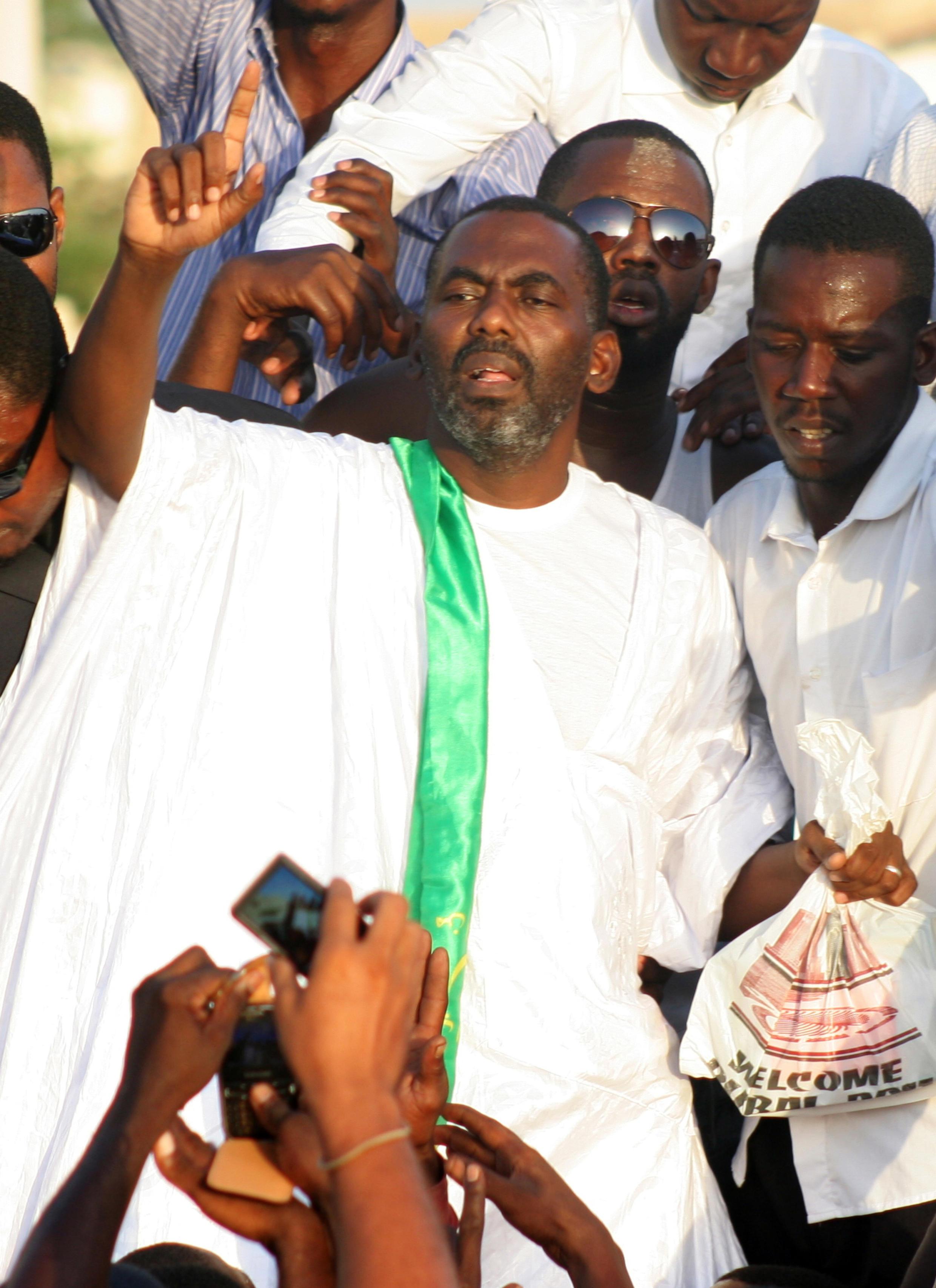 Biram Ould Dah Ould Abeid, président de l'Intiative pour la résurgence du mouvement abolitionniste en Mauritanie (IRA), après sa sortie de prison, le 3 septembre 2012 à Nouakchott.