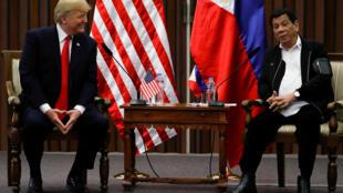 Discussions bilatérales entre le président des Etats-Unis Donald Trump et son homologue philippin Rodrigo Duterte, le 12 novembre 2017.
