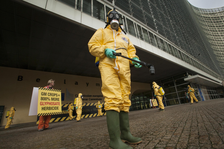 歐盟前反對使用草甘膦農業抗議者.