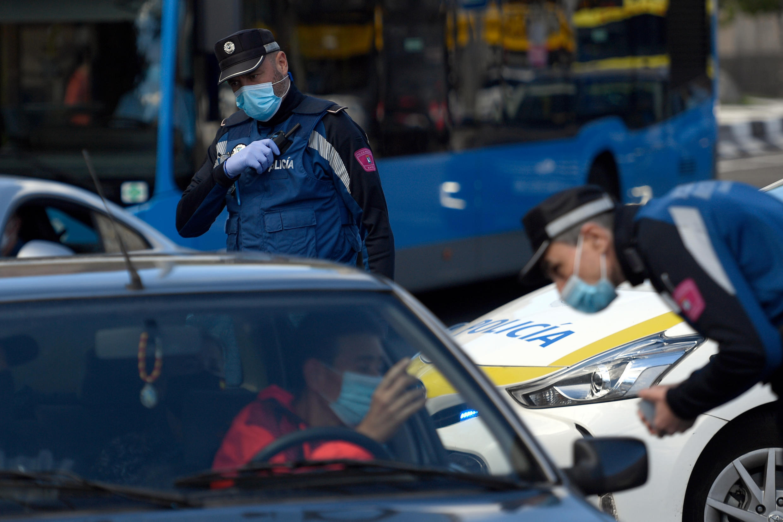 Полицейский контроль на дорогах Мадрида, 3 октября 2020