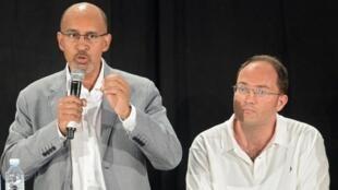 A La Rochelle, le premier secrétaire Harlem Désir (g) a appelé le PS au rassemblement et à la discipline.