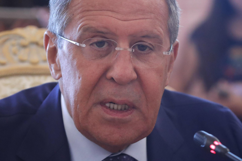 """سرگئی لاوروف، وزیر أمور خارجه روسیه میگوید اعمال تحریمهای """"غیرمسئولانه"""" جدید علیه ایران میتواند """"توازن قدرت"""" (در منطقه) را به نابودی بکشاند."""