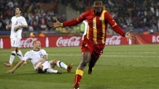 Gyan festeja su golazo contra Estados Unidos. Toda Africa celebró el triunfo.