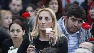 Participants à l'une des commémorations organisées à Istanbul le 24 avril 2010 pour commémorer le génocide arménien.
