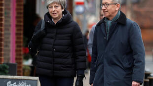Waziri Mkuu wa Uingereza, Theresa May na Rais wa Tume ya Ulaya Jean-Claude Juncker tarehe 2 Desemba 2017, Twyford.