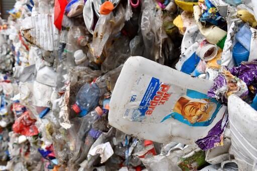 По данным WWF, во Франции 80 тысяч тонн пластика попадают в окружающую среду каждый год