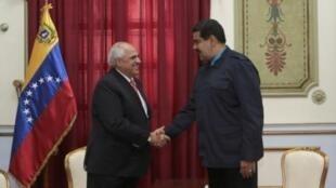 El presidente venezolano, Nicolás Maduro, y el secretario general de Unasur, Ernesto Samper.