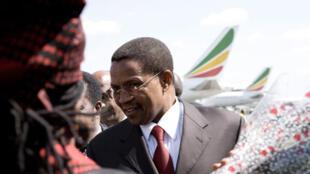 John Magafuli a de fortes chances de succéder au président Jakaya Kikwete (photo) qui achève, cette année, son second quinquennat et, fait rare dans la région, ne sera pas candidat à sa succession.