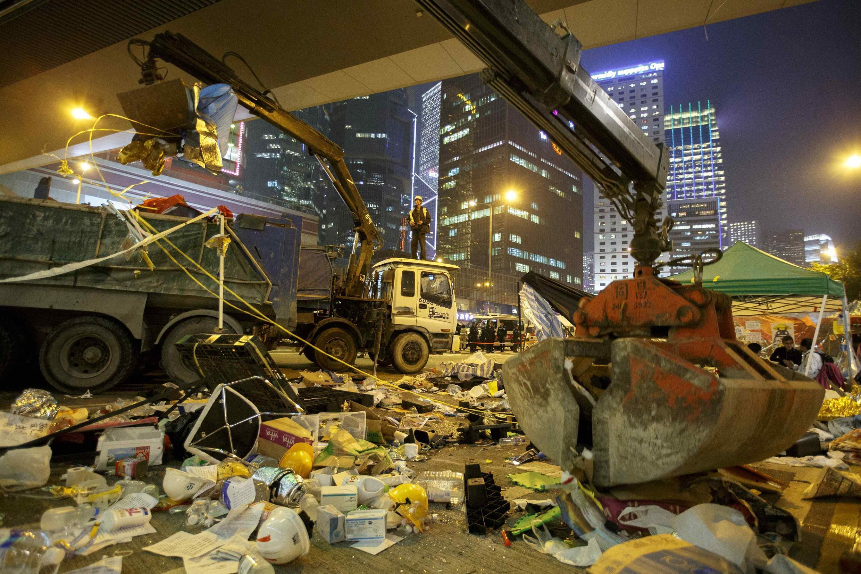 Hồng Kông : Cảnh một khu vực sau khi sinh viên chiếm đóng bị cảnh sát giải tán ngày  11/12/ 2014.
