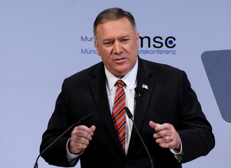 O secretário de Estado americano, Mike Pompeo, anuncia investimentos na Europa durante a Conferência de Segurança de Munique, neste sábado (15).