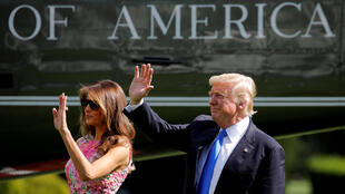 Fim das férias para Donald Trump, que retornou em 20 de agosto de 2017 a Washington em meio à crise no governo dos Estados Unidos.