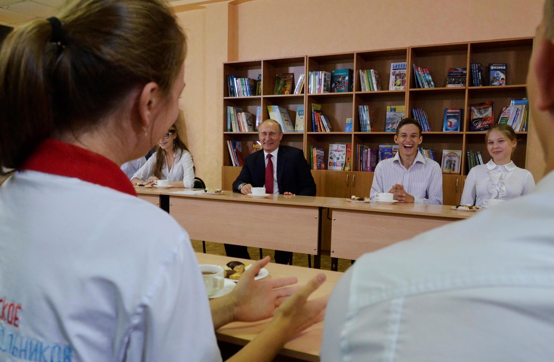 Владимир Путин на встрече со школьниками во Владивостоке 1 сентября 2016