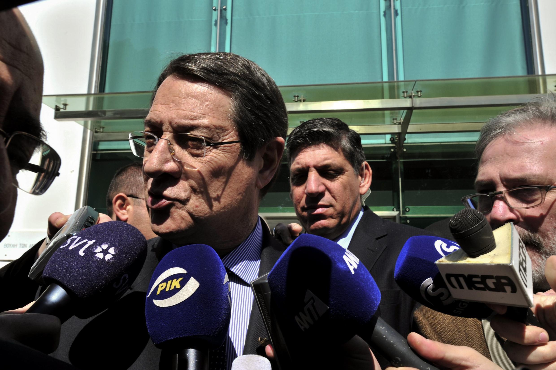 Diante do impasse, o presidente do Chipre, Nicos Anastasiades, pediu que um novo plano de saída de crise seja apresentado rapidamente.