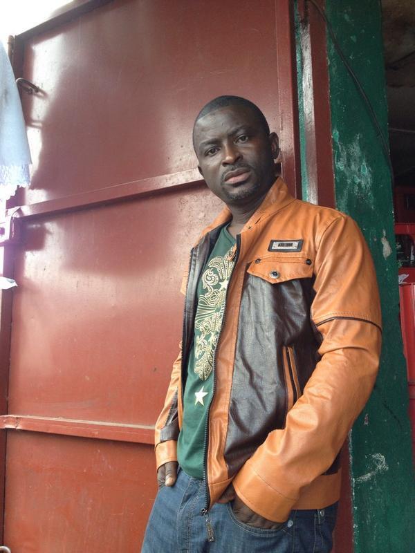 Sundaygar Dearboy, 40 ans, chanteur du Liberia, 13 albums à son actif.