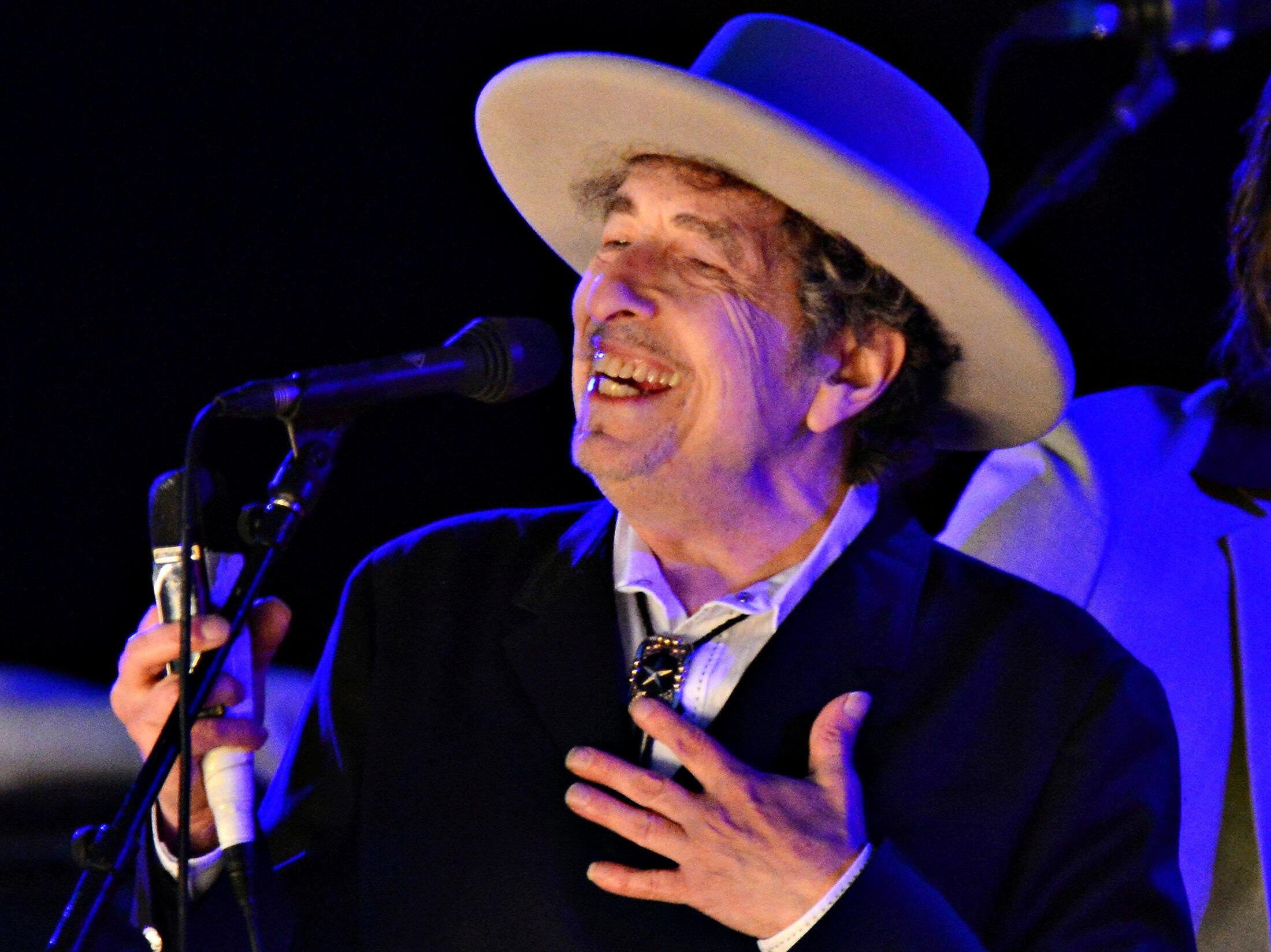 Bob Dylan, Nobel Văn Học 2016 vắng mặt trong buổi lễ trao giải ngày 10/12/2016 tại Stockholm