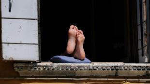 Могут ли пятна на пальцах и подошвах ступней быть симптомом коронавируса?