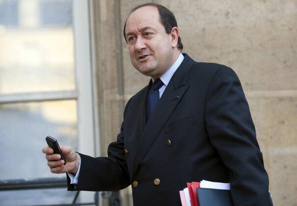 Os líderes da oposição na França pedem a demissão do chefe do serviço secreto, Bernard Squarcini.