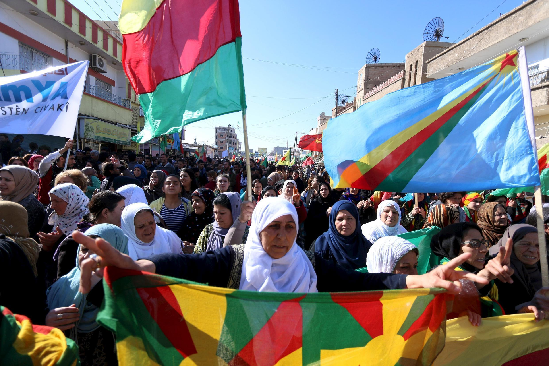 Манифестация курдов в сирийском городе Эль-Камышлы, 4 февраля 2016.