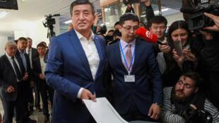 Сооронбай Жээнбеков, ставленник президента Алмазбека Атамбаева