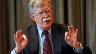 Cựu cố vấn an ninh quốc gia Mỹ John Bolton gặp các nhà báo tại Luân Đôn, Anh Quốc, ngày 12/08/2019.