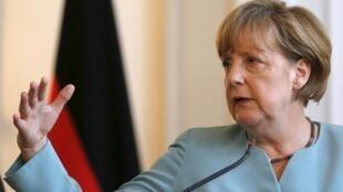 Канцлер Германии Ангела Меркель на пресс-конференции в Сараево, 9 июля 2015.