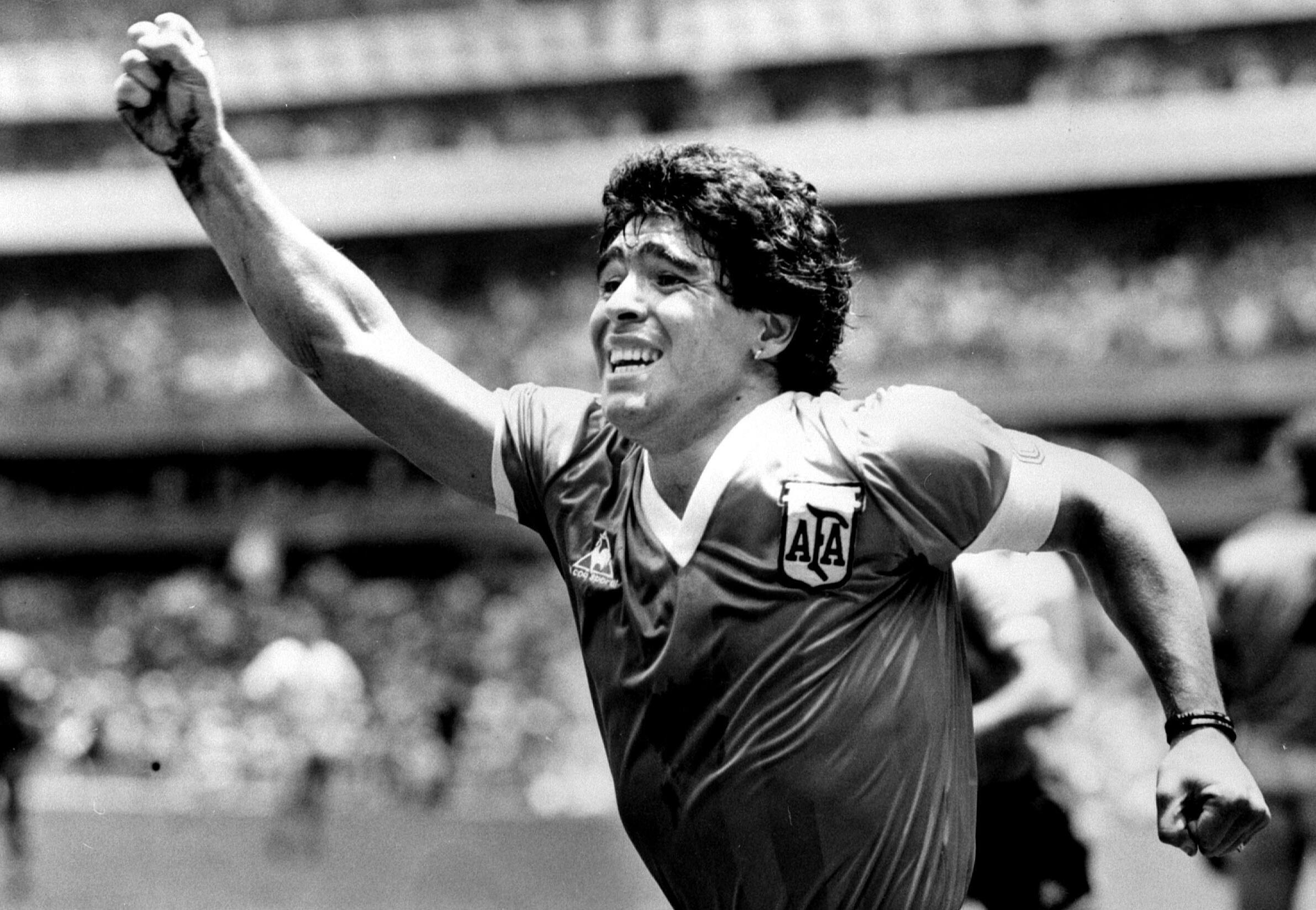 2020-11-25 argentina football diego Maradona sport world cup mexico england 1986
