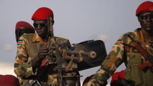 L'armée sud-soudanaise prenait la route de Bor, ce samedi 21 décembre, occupée par les rebelles depuis trois jours.